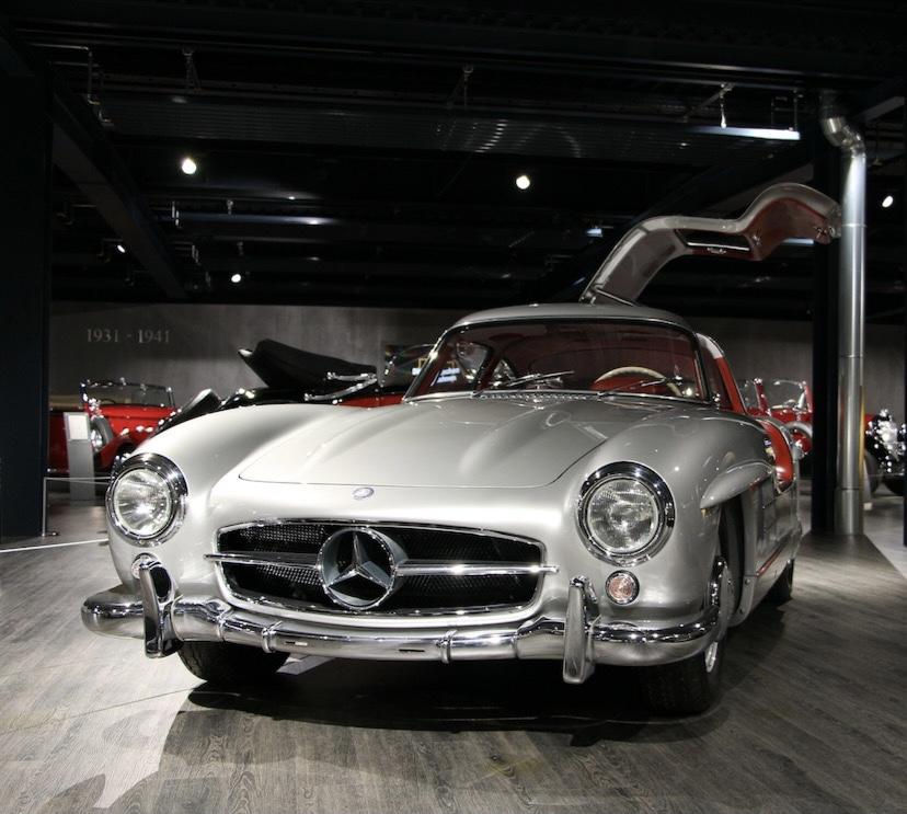 Leidenschaftlicher Gutachter für Sportwagen in Frankfurt